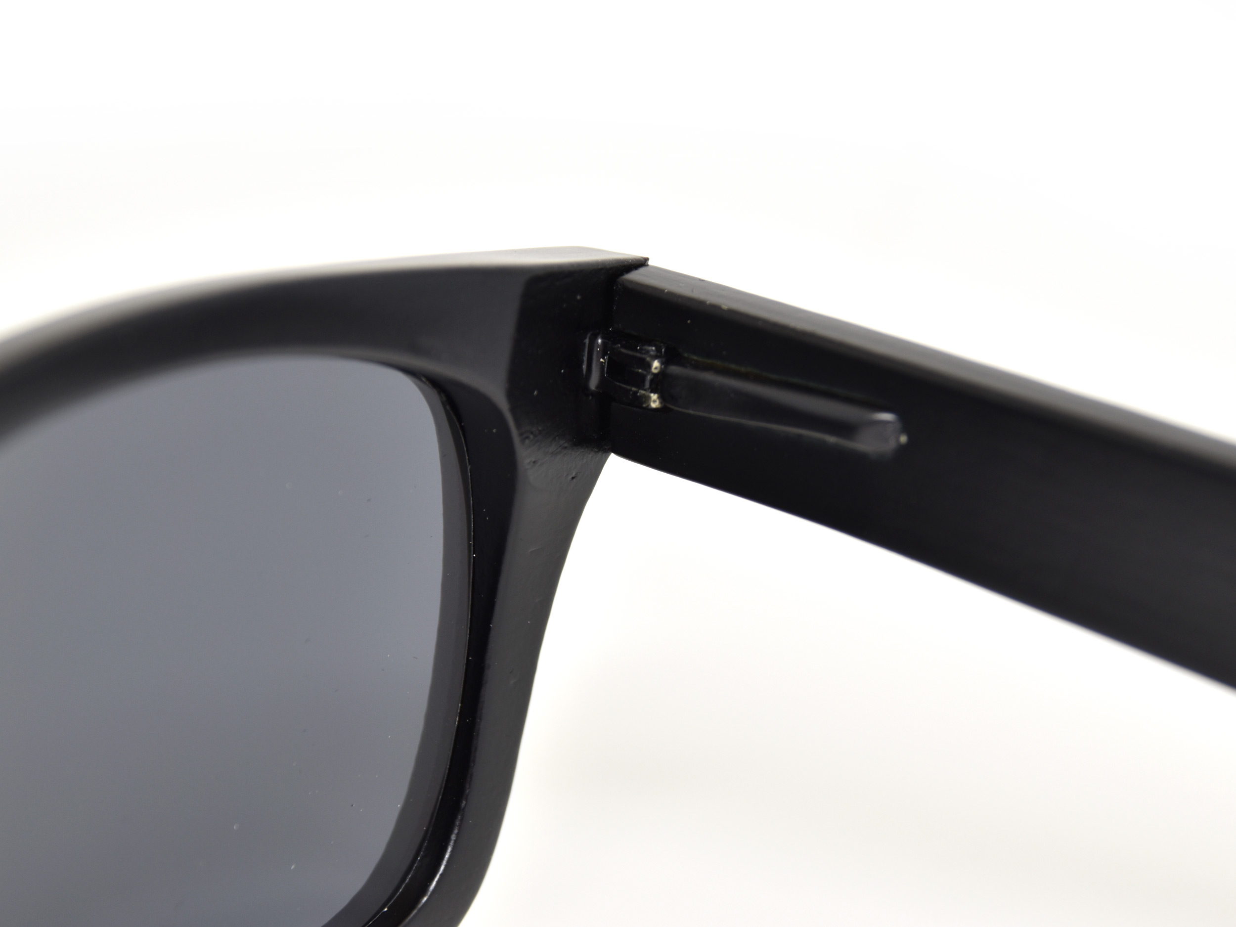 wayfarer style sunglasses black hinge