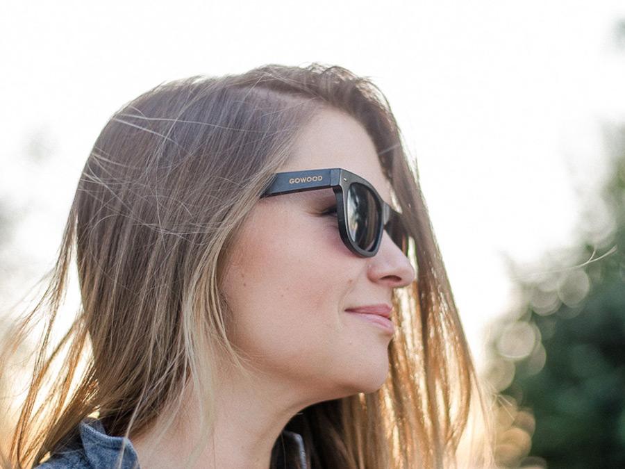 wayfarer style sunglasses black