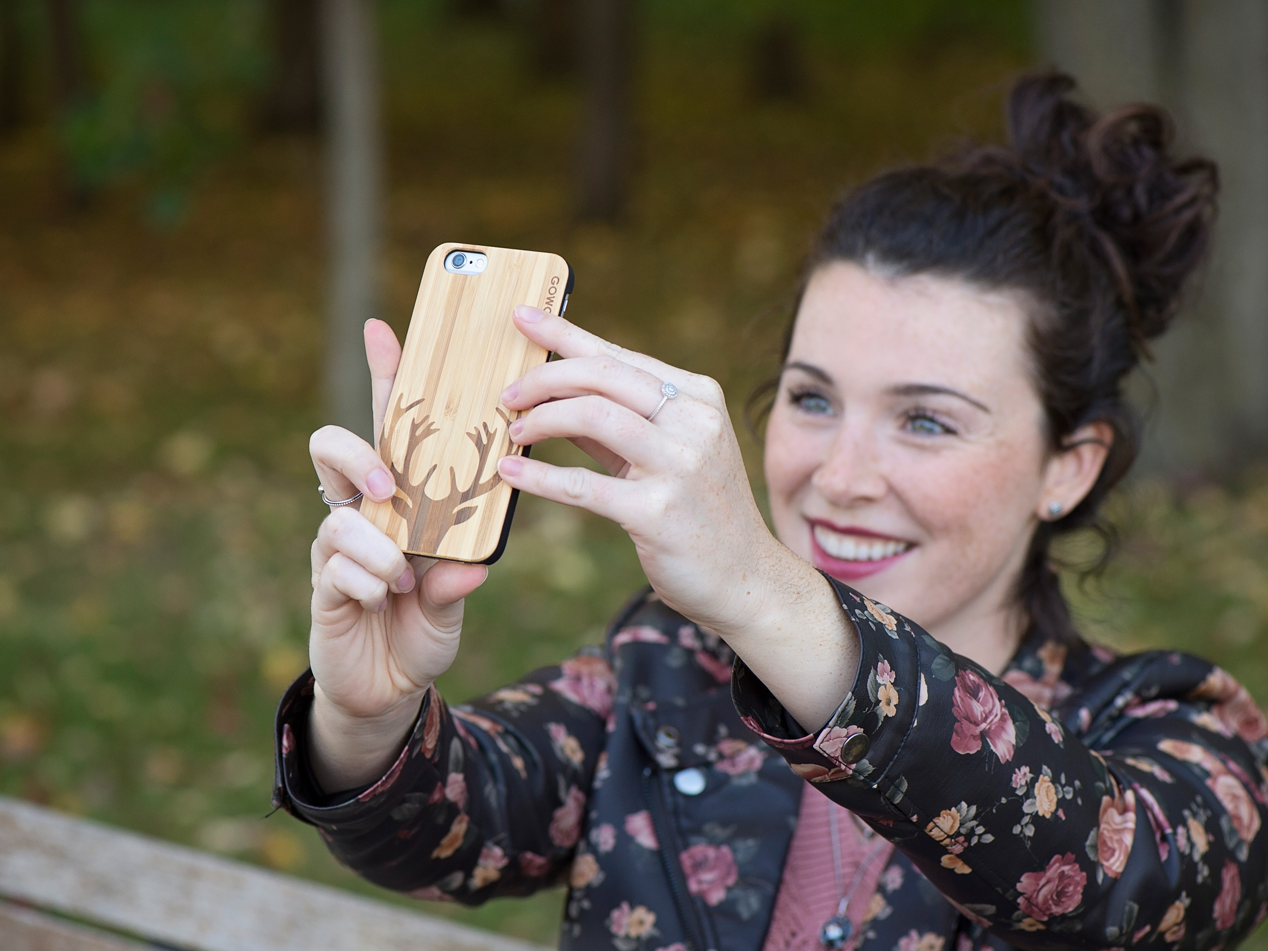 iPhone 6 case bamboo deer wood use