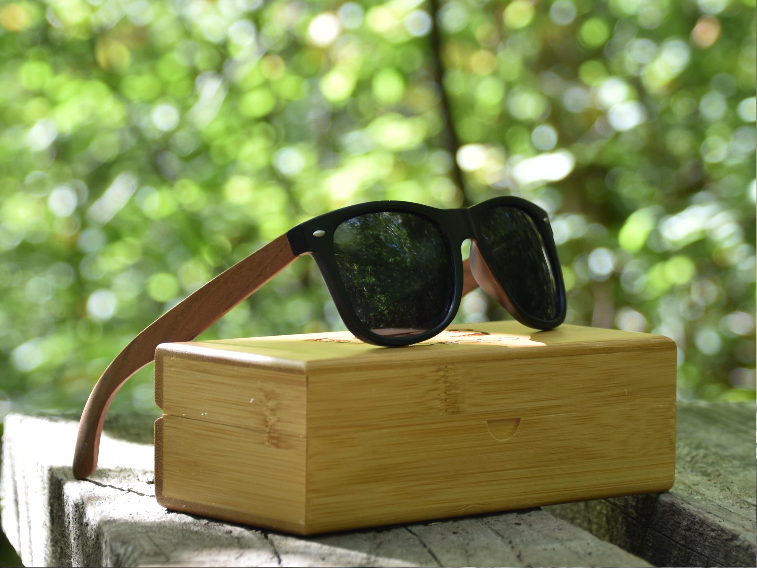 Wayfarer zonnebril met walnoot houten pootjes nature 1