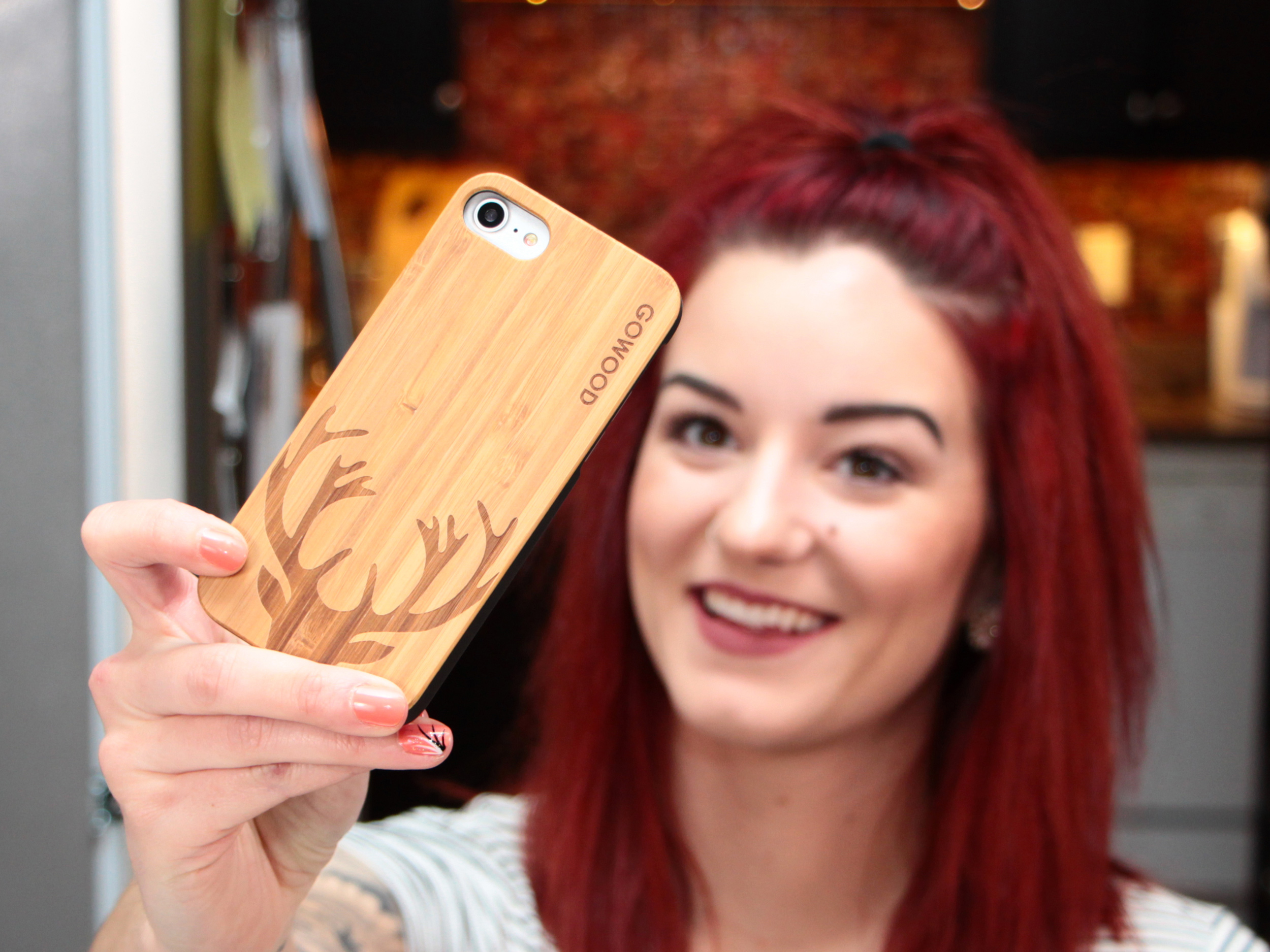 iPhone 7 and 8 wood case deer use 4