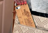 iPhone 7 wood case world map user 2