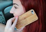 iPhone 7 wood case tree user 3