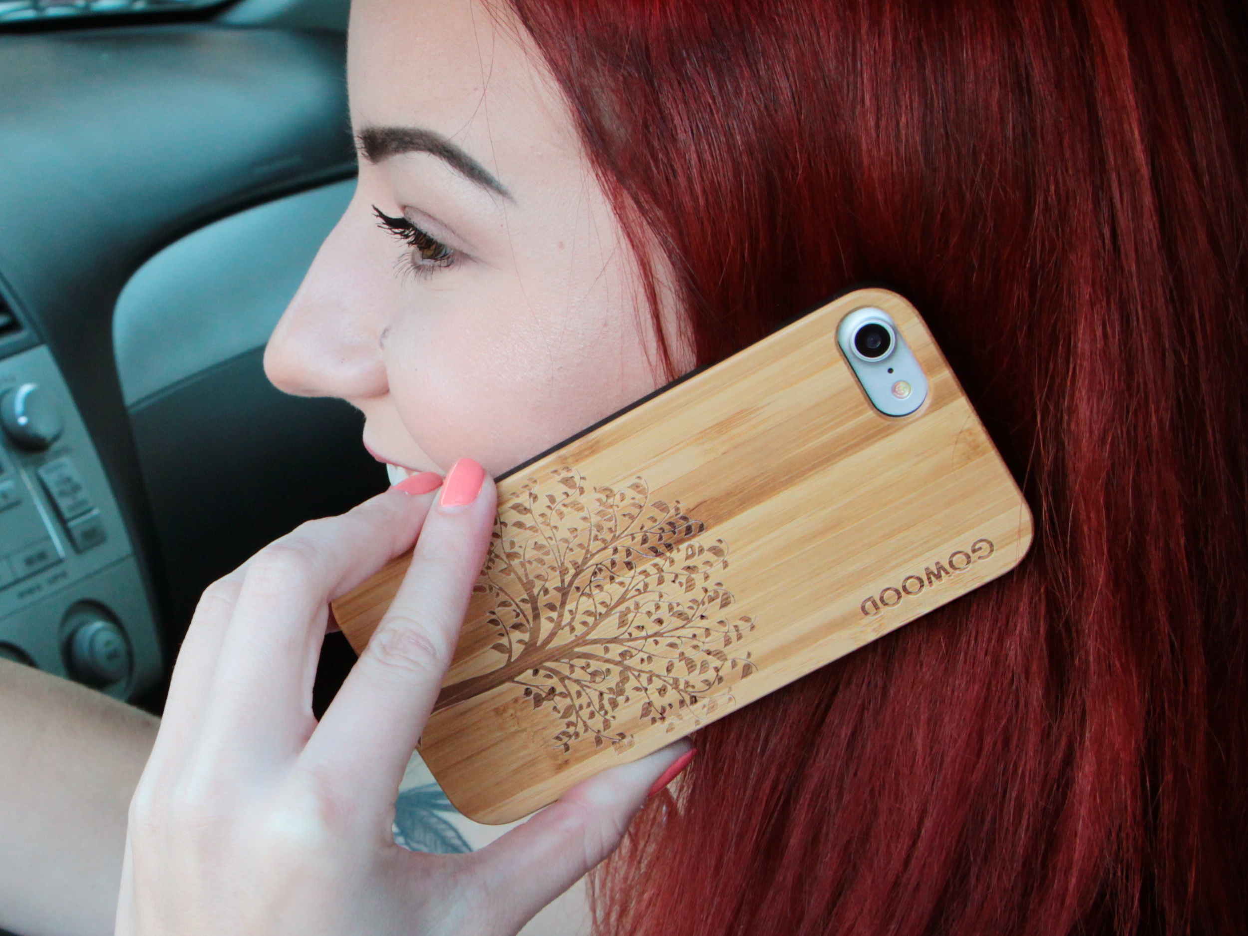 iPhone 7 and 8 wood case tree user 3