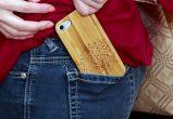 iPhone 7 wood case tree user 4
