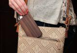 iPhone 7 wood case walnut user 2
