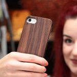 iPhone 7 and 8 wood case walnut user 4
