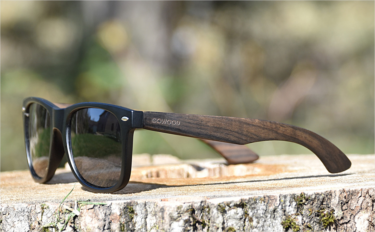 Ebony wood sunglasses with black polarized lenses