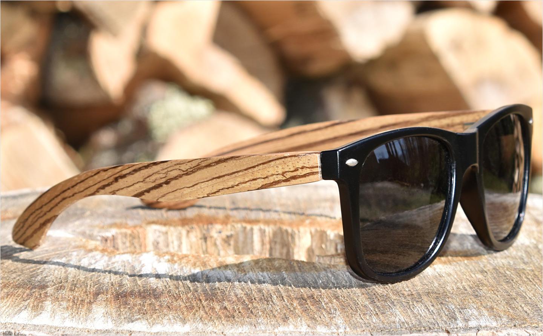 Lunettes de soleil en bois de zèbre avec verres noir polarisés