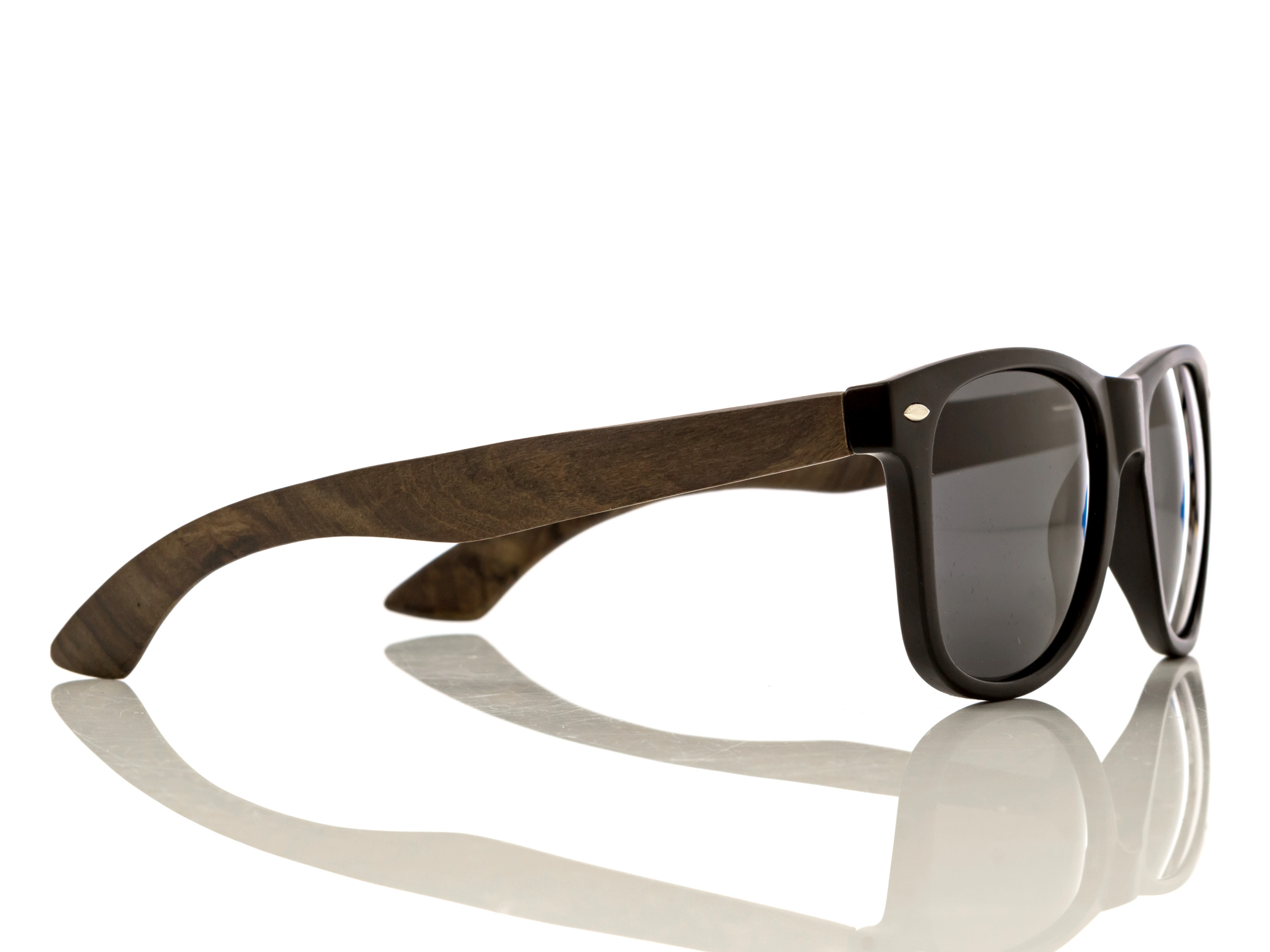 classic wayfarer sunglasses with ebony legs right