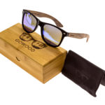 Walnut wood wayfarer sunglasses blue mirrored lenses – set