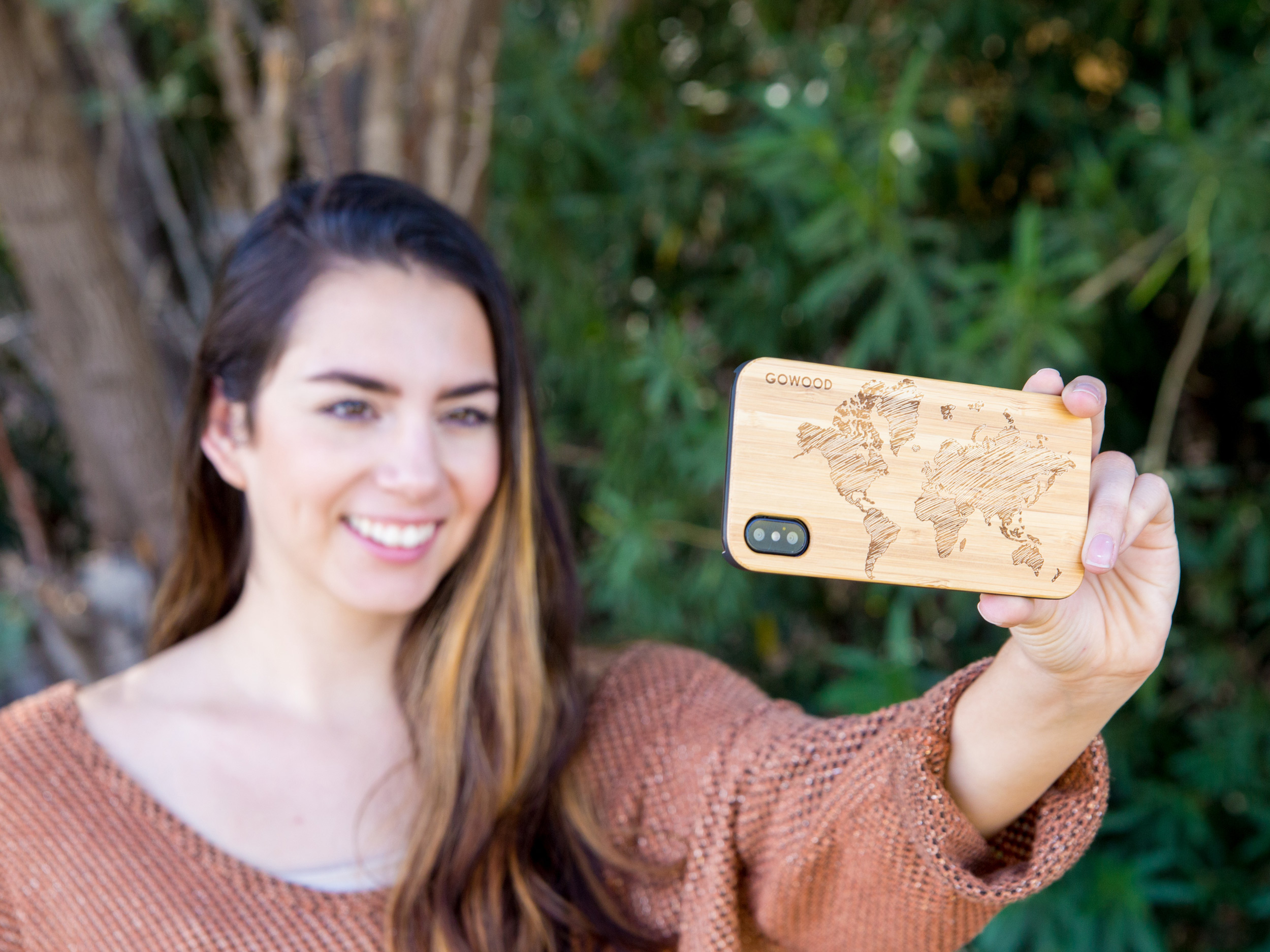 iPhone X and XS wood case bamboo world map model