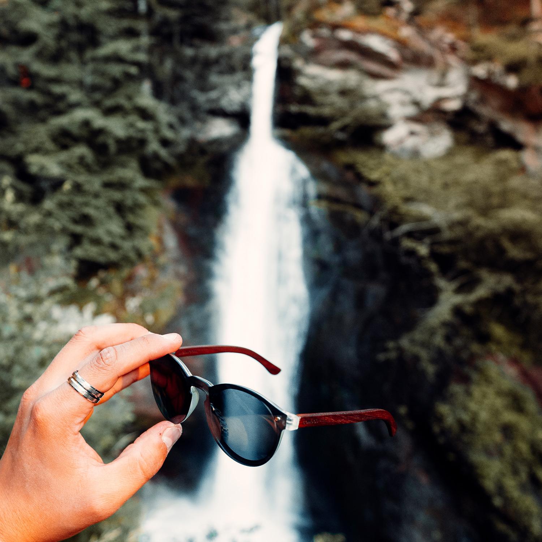 Round ebony wood sunglasses black polarized lenses on men