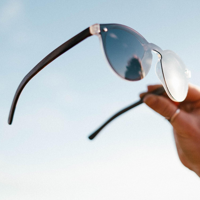 Round ebony wood sunglasses black polarized lenses outdoor