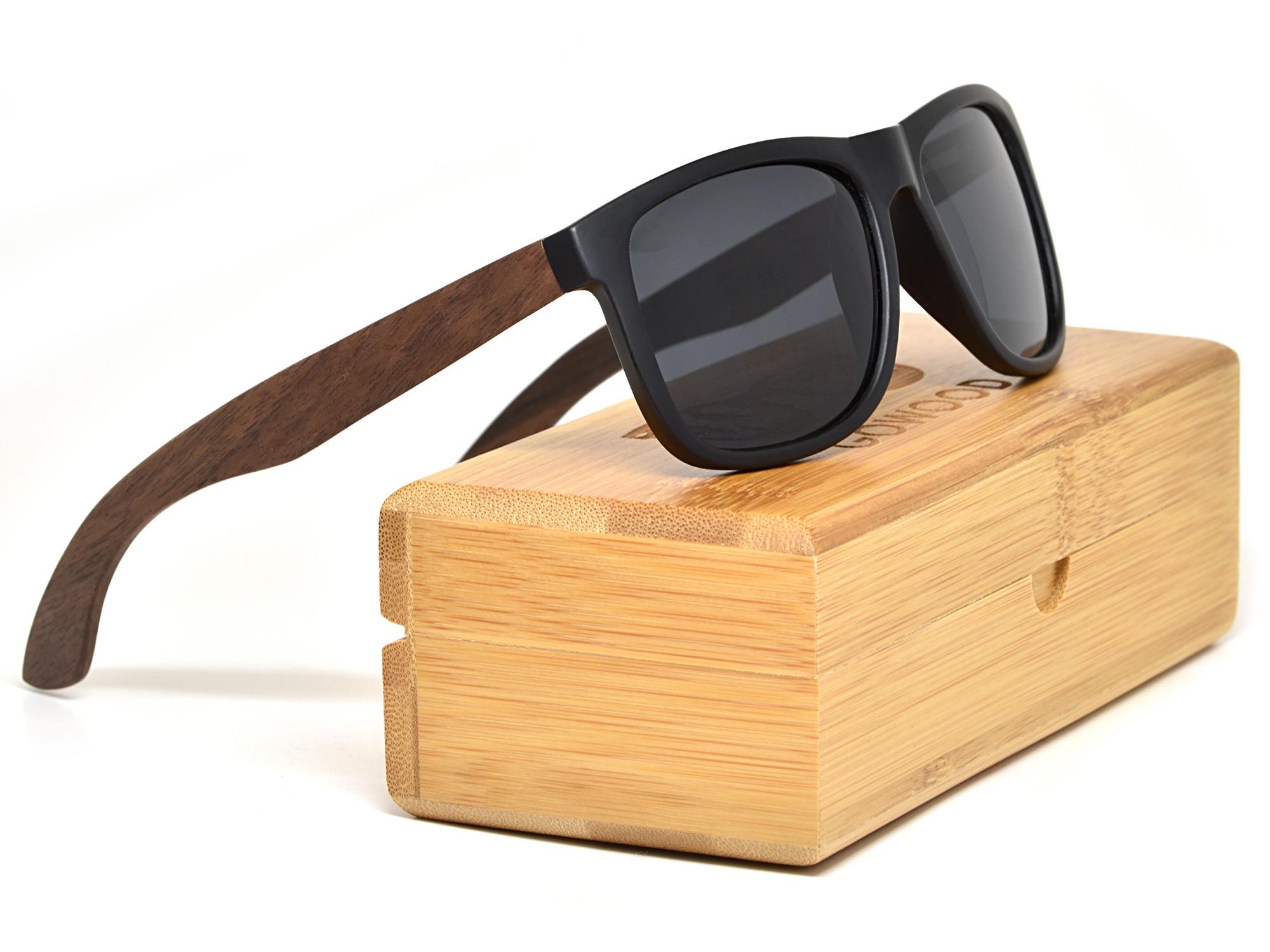 Square walnut wood sunglasses with black polarized lenses set