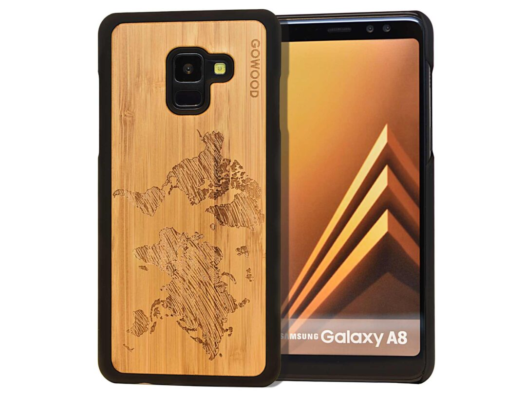 Samsung Galaxy A8 wood case world map front