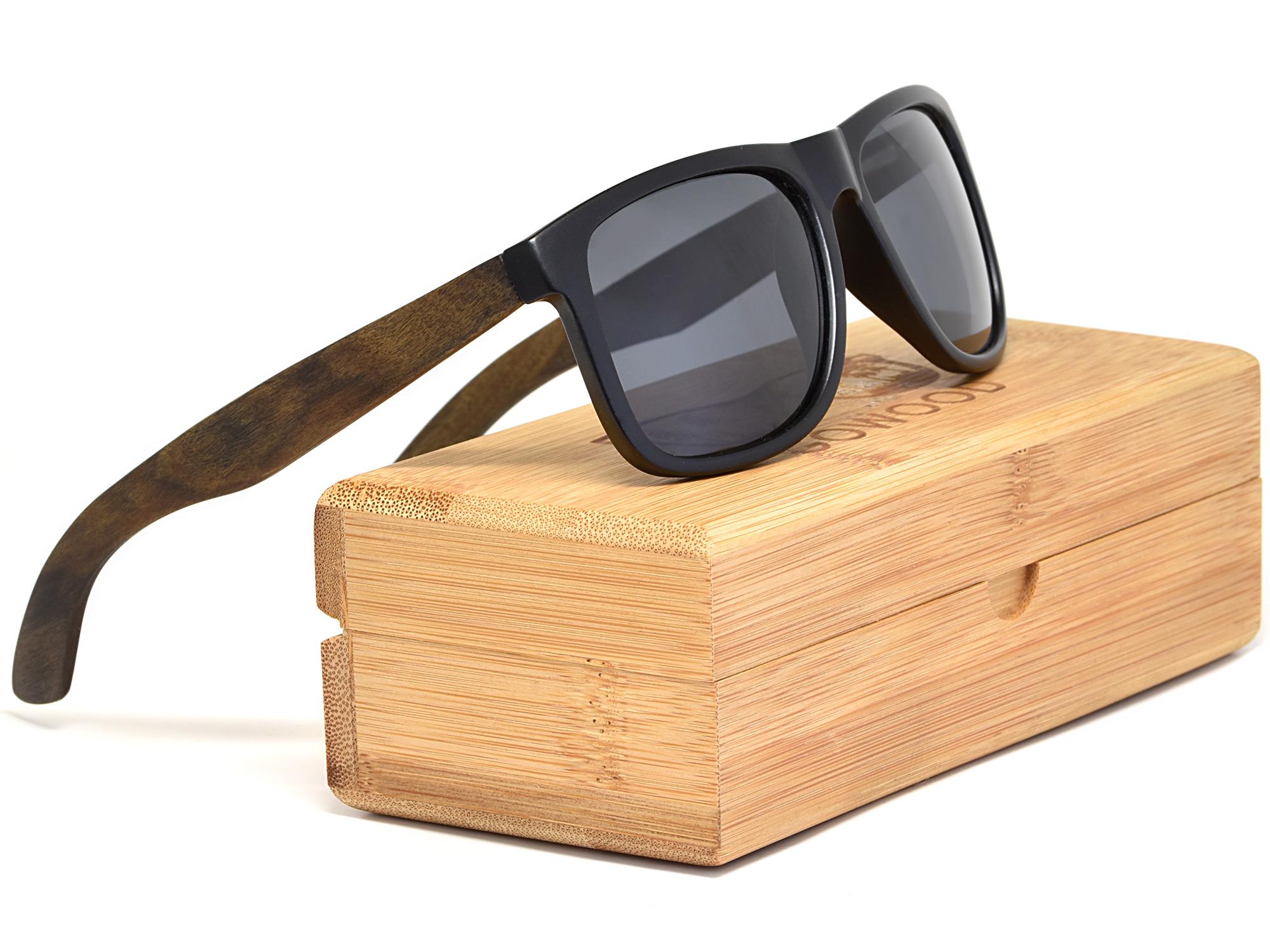 Lunettes de soleil carrées en bois d'ébène avec verres noir polarisés