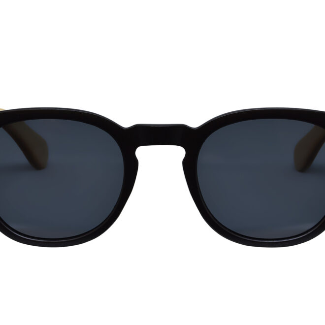 Round maple wood sunglasses